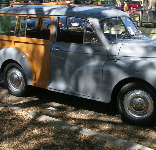 1955MorisMinorWoody-2